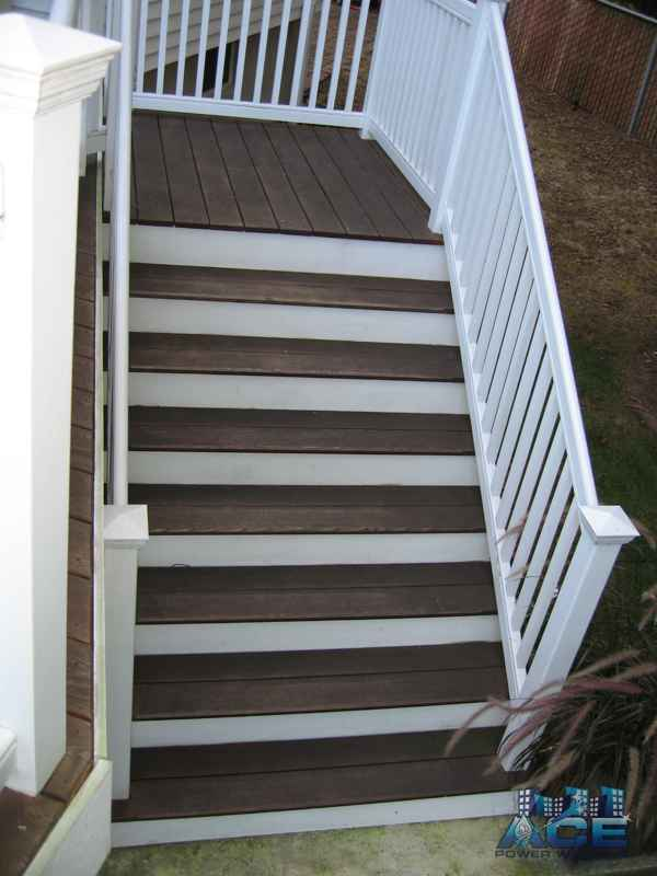 Ipe Deck Steps covered with dirt, mold, grime in Paramus, NJ